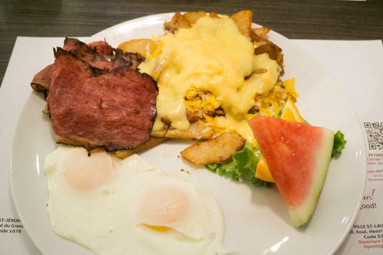 petinos-breakfast-poutine-1-of-3